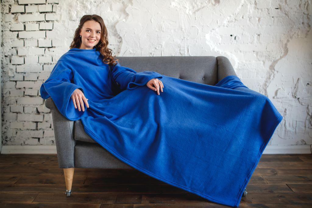 Фото пледа с рукавами цвета Лазурь - СамПух.ру
